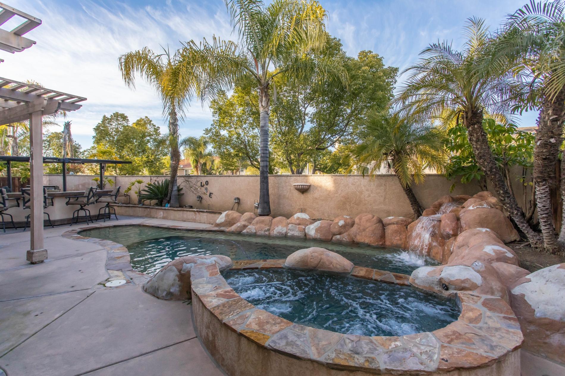 Grenache Getaway - Pool & Jacuzzi photo 16004088