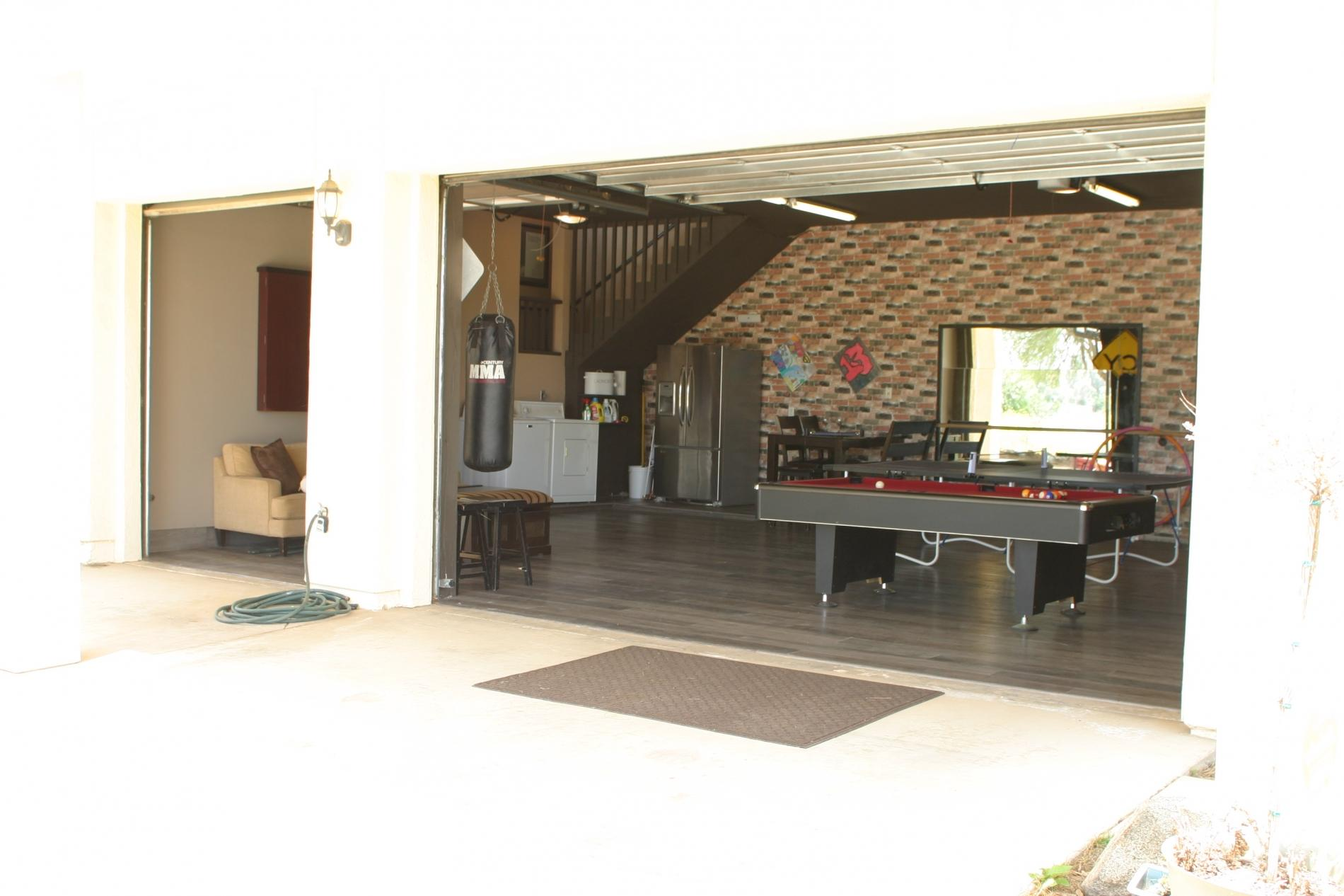 A Flight of Red - Runway home with Large Game Room photo 20726632