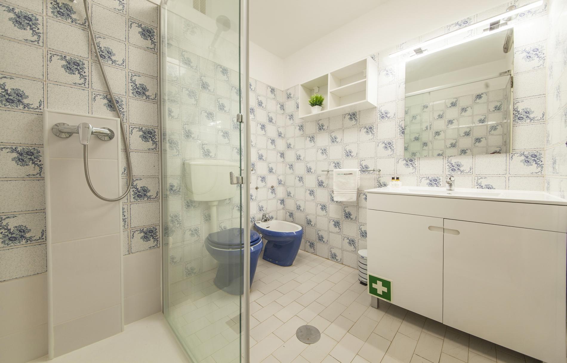 Apartment B43 - Spotless Seaview Apartment photo 22522663