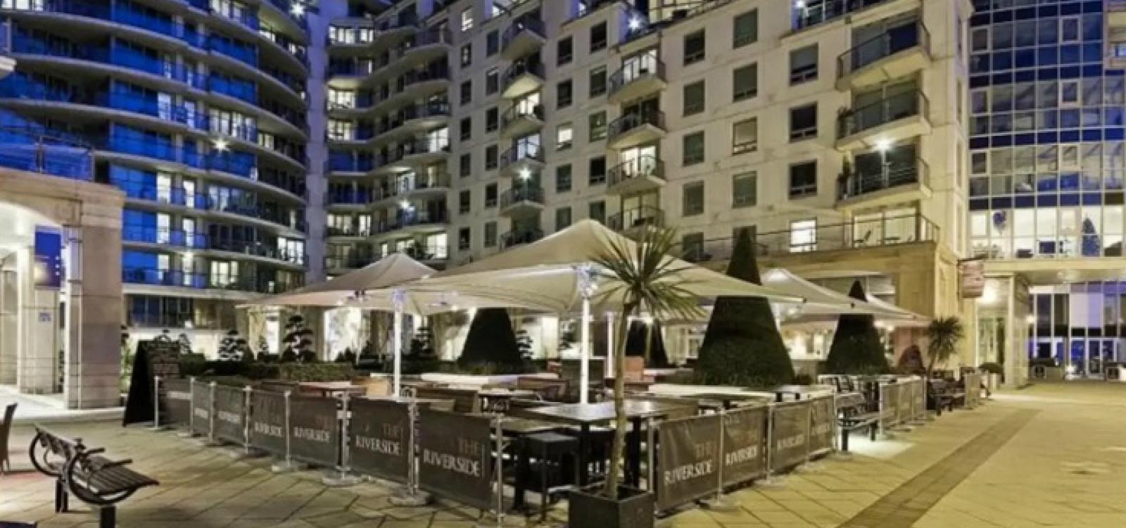 Luxury modern 2BD flat in centre