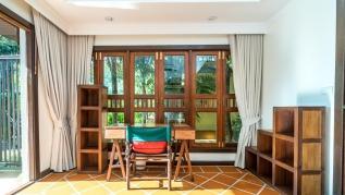 Nakatani B - private pool villa near beach (2 bedroom, can be 4!)