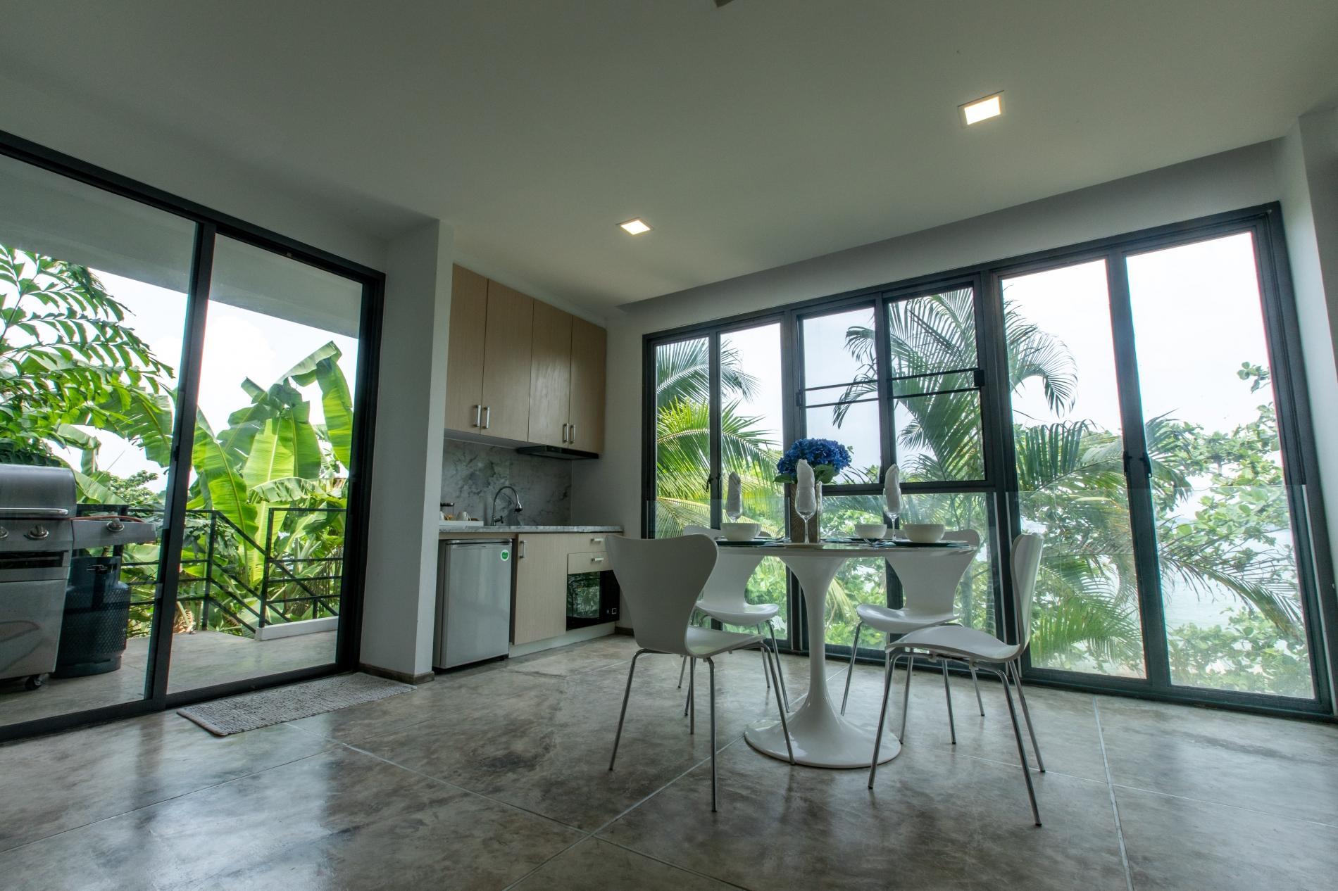 Beachfront and seaview apartment for 4 on Kamala - KBE photo 18988700