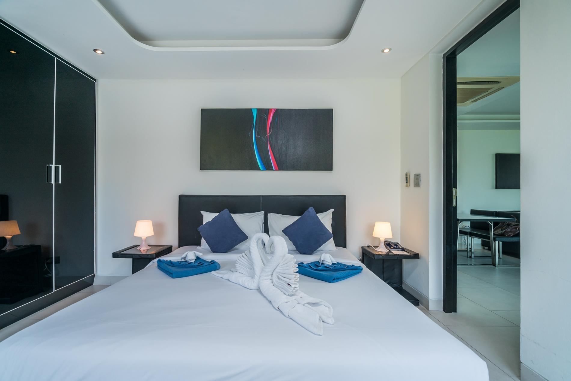 Apartment Twin Sands 1406 - Panoramic seaview apartment walk to beach  shared pool photo 16399244