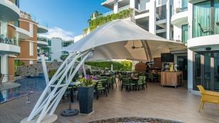 Twin Sands 1406 - Panoramic seaview apartment walk to beach, shared pool
