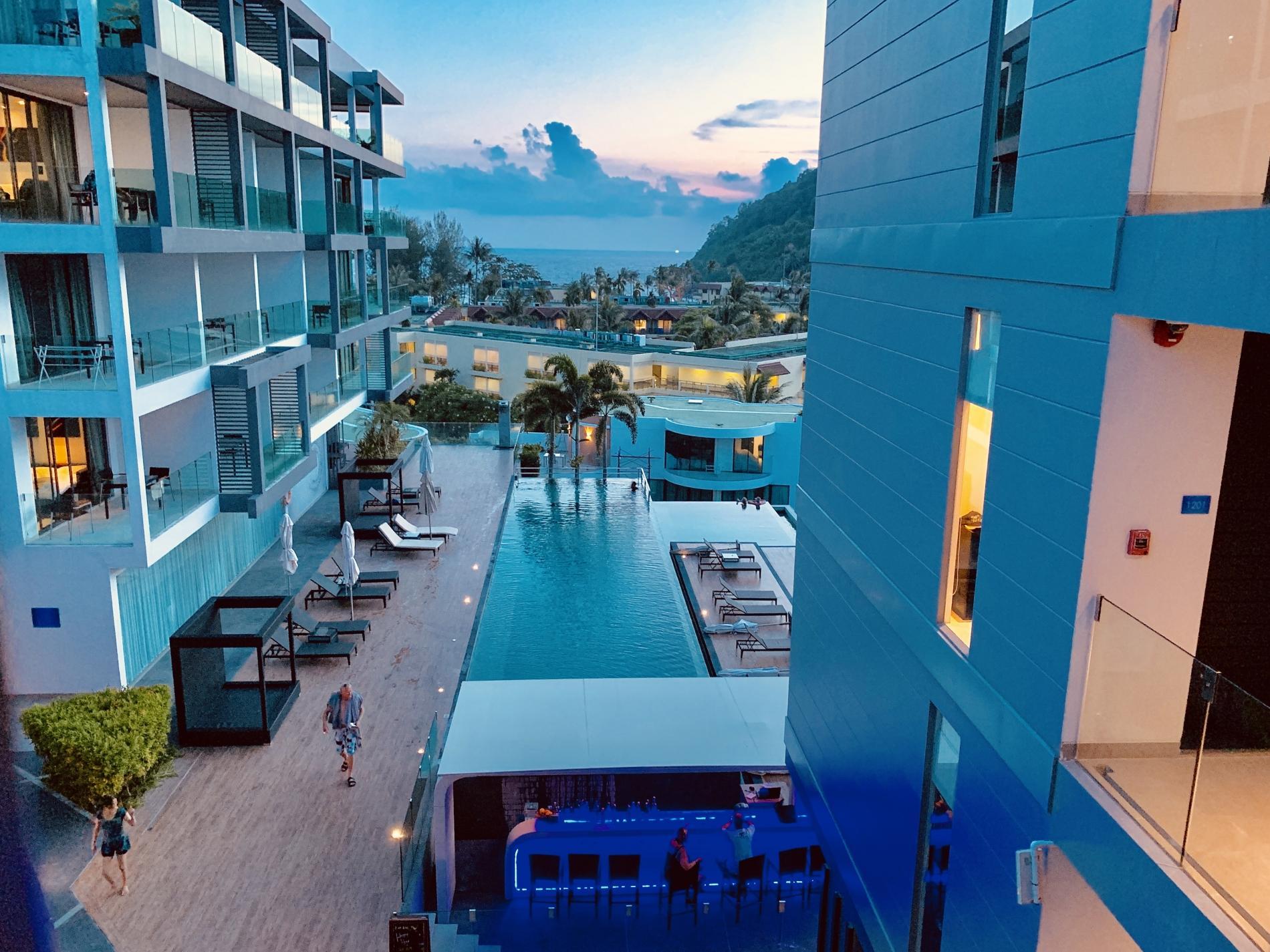 Twin Sands 1406 - Panoramic seaview apartment walk to beach, shared pool photo 17077440