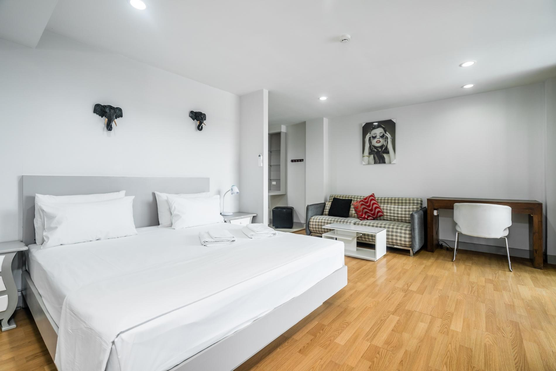 Apartment Pool access studio  rooftop pool and gym in Patong Kris condotel photo 18645546