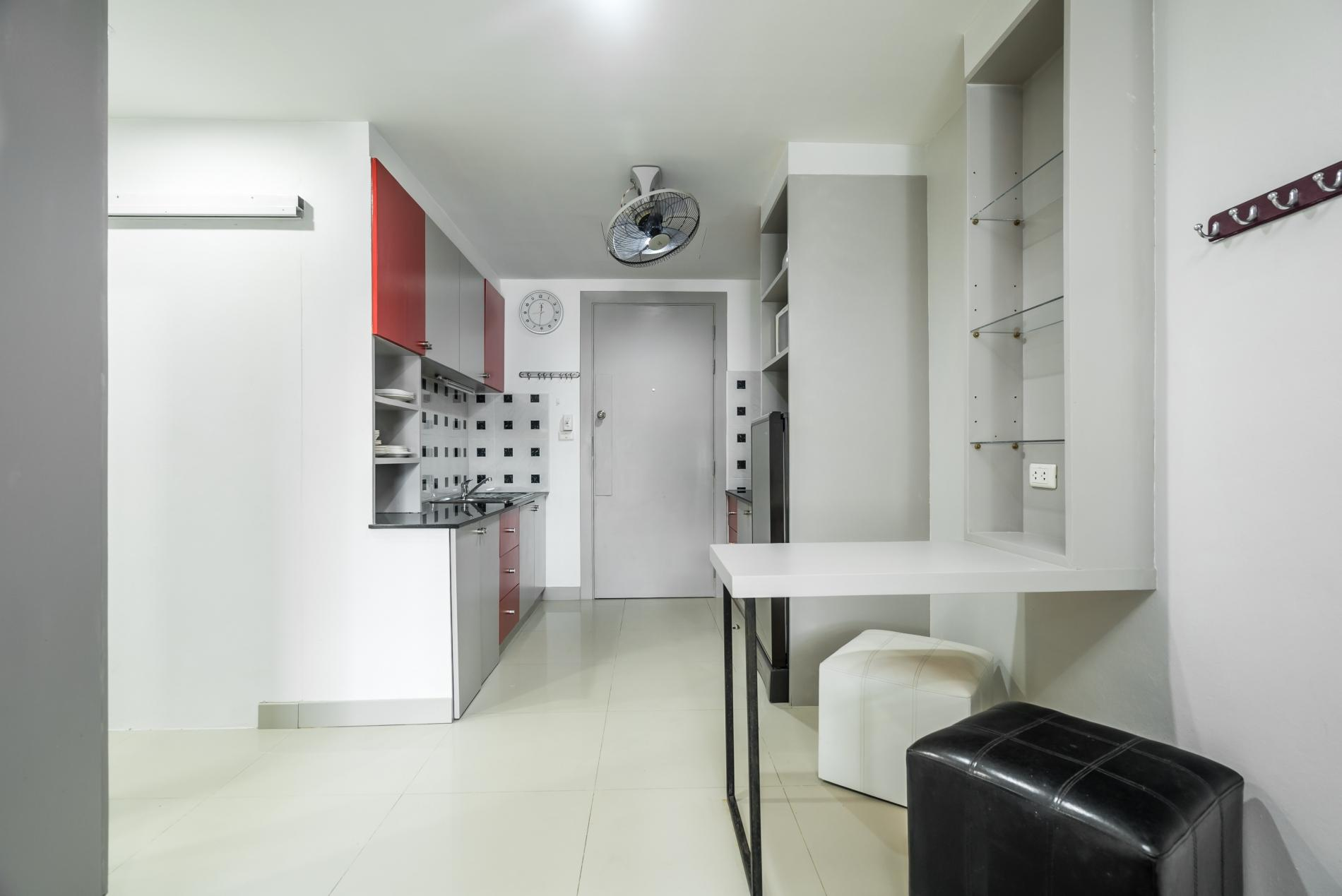 Apartment Pool access studio  rooftop pool and gym in Patong Kris condotel photo 18563111