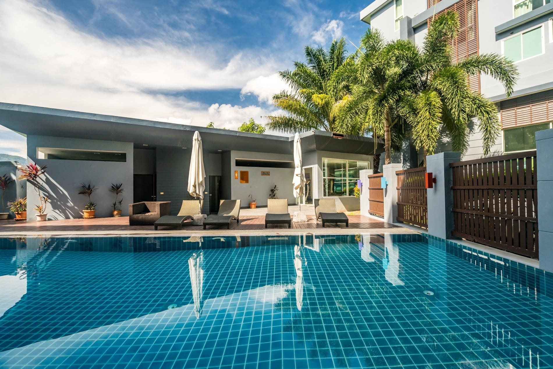 Apartment Pool access studio  rooftop pool and gym in Patong Kris condotel photo 18359303