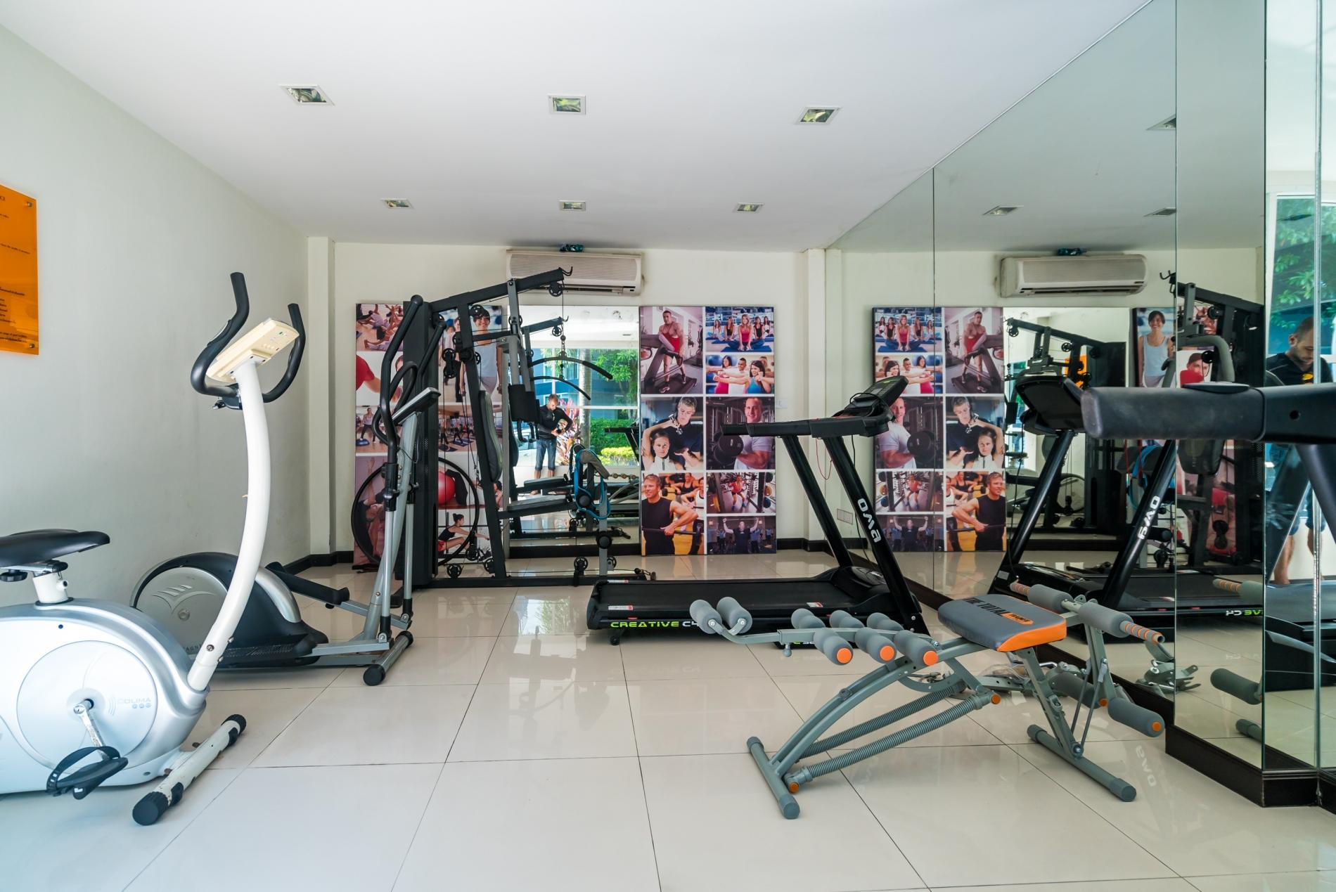 Apartment Pool access studio  rooftop pool and gym in Patong Kris condotel photo 18563117