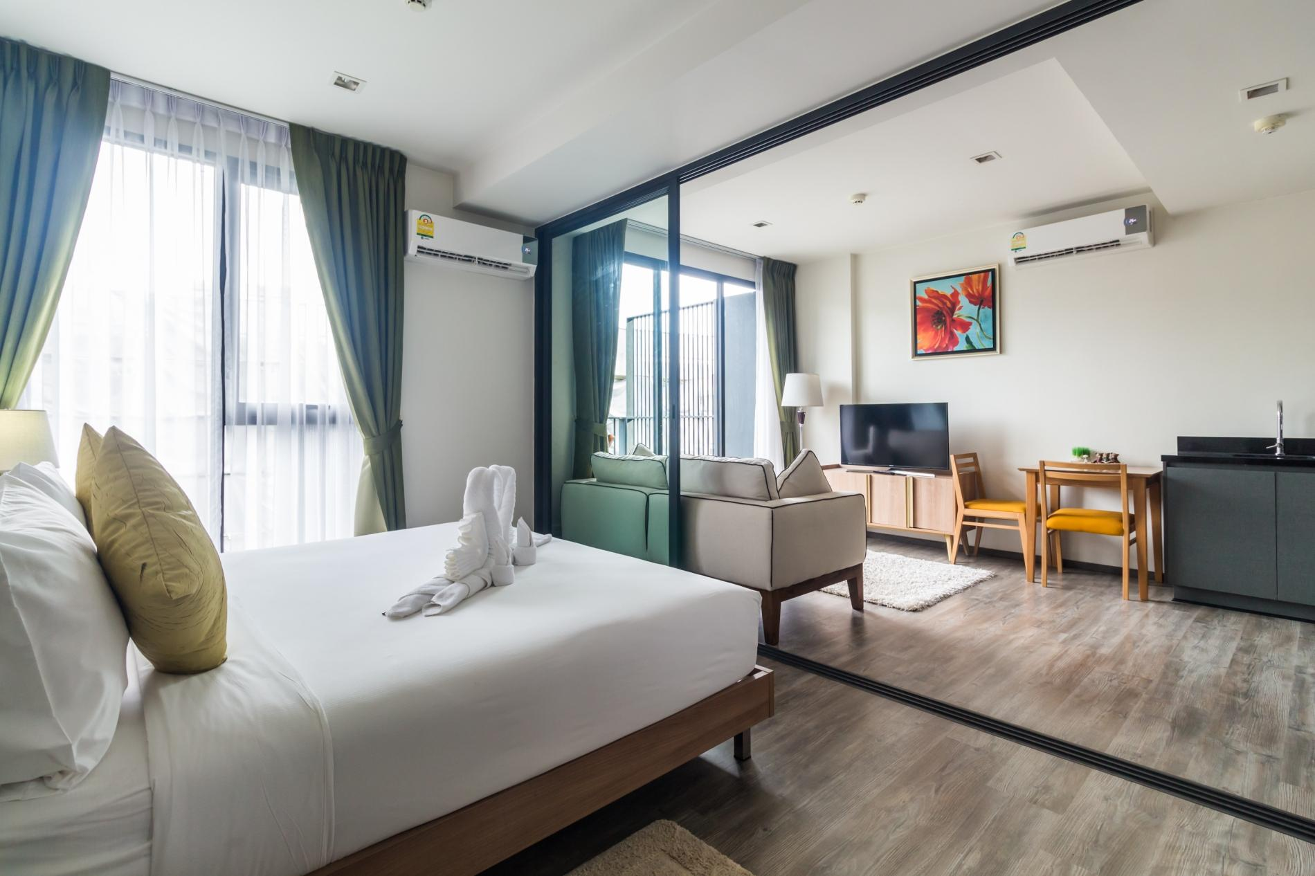 Apartment D9 - The Deck Patong  rooftop pool  gym and great location  photo 16965628