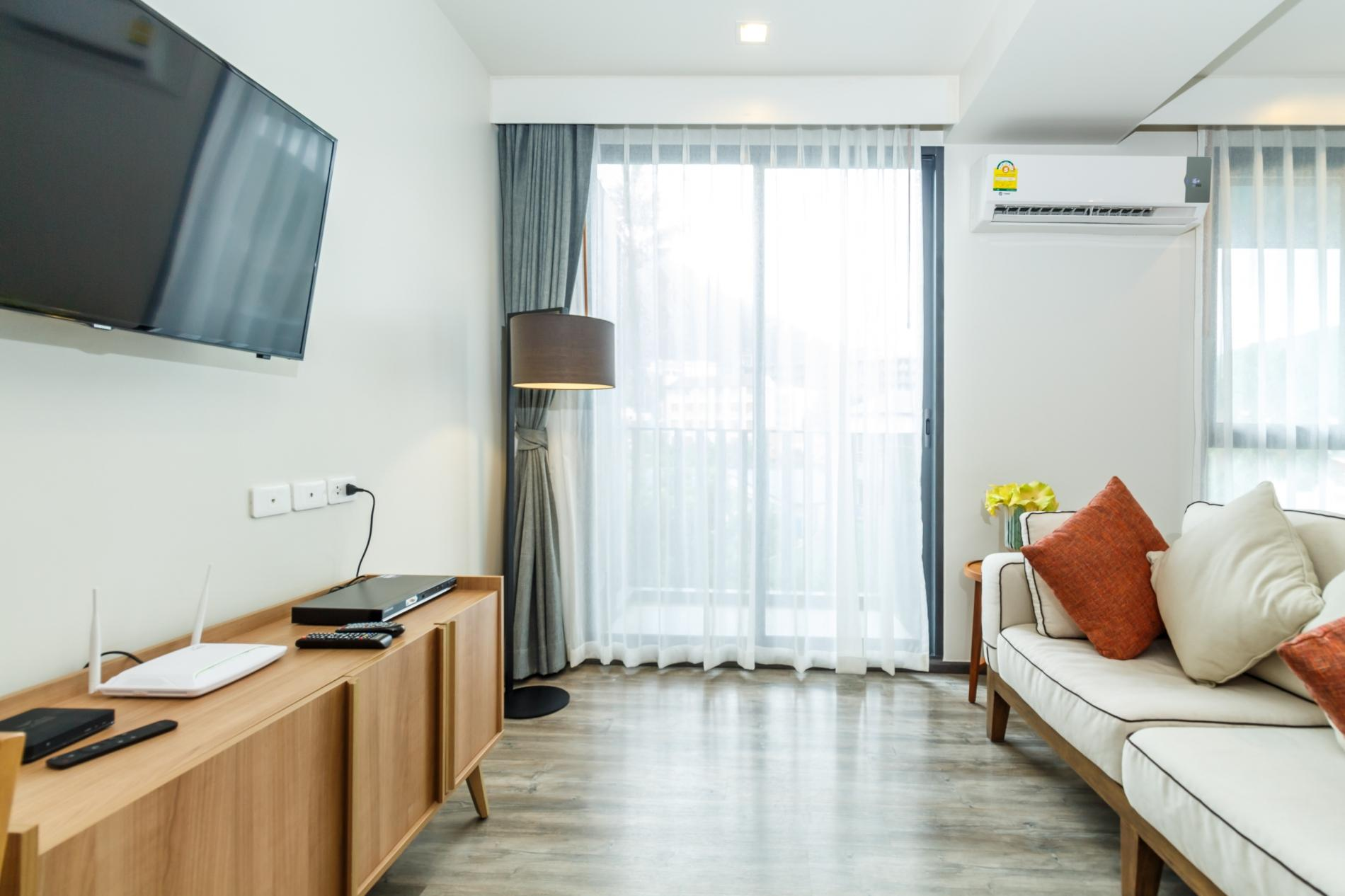 Apartment D9 - The Deck Patong  rooftop pool  gym and great location  photo 17051986