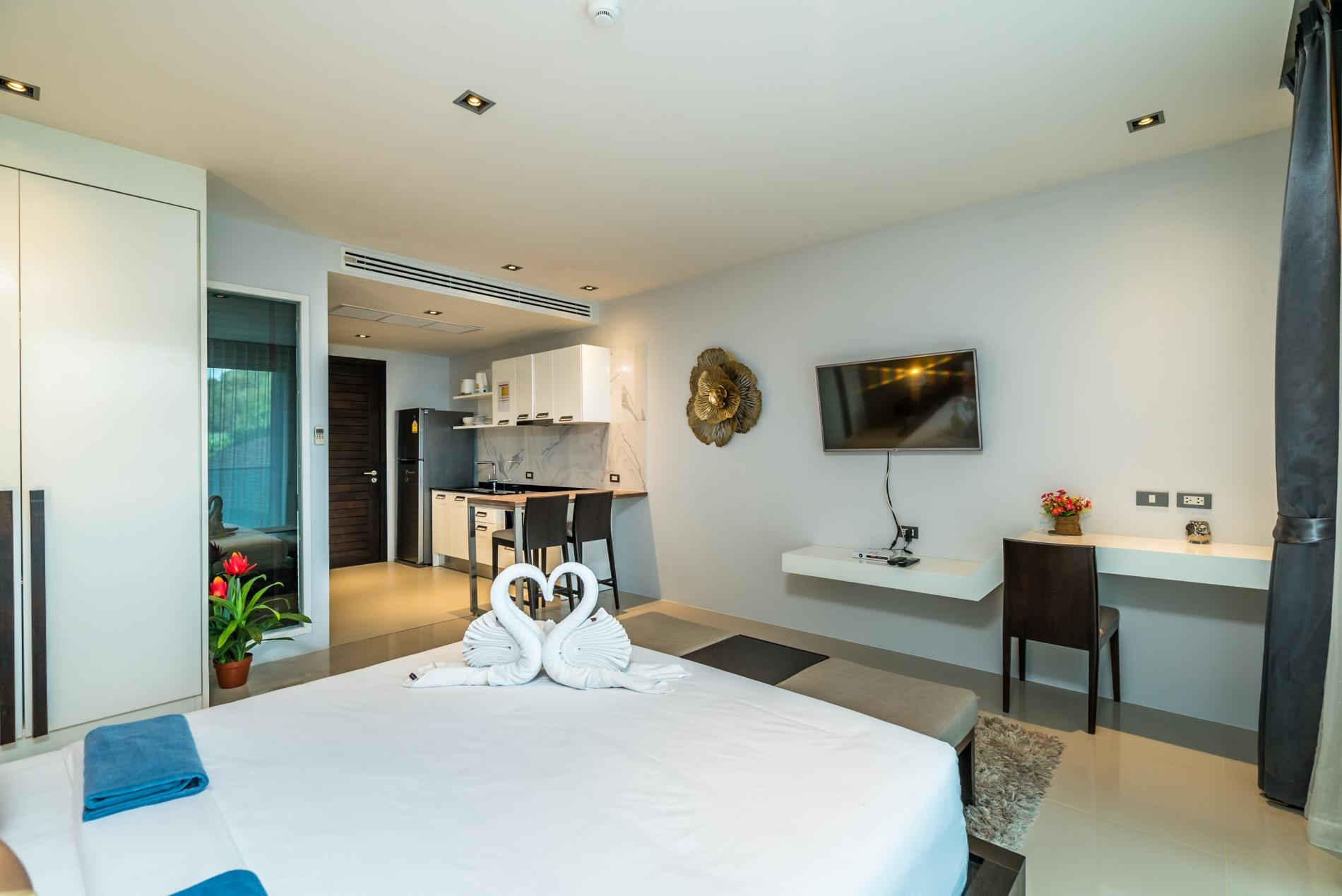 Apartment ET414 - Charming pool view studio  pool and gym in Patong photo 18239250