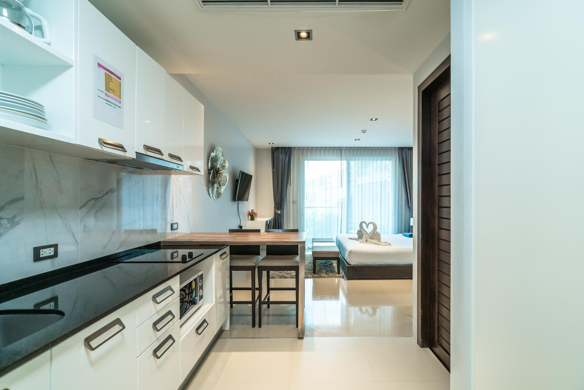 Apartment ET414 - Charming pool view studio  pool and gym in Patong photo 18343053