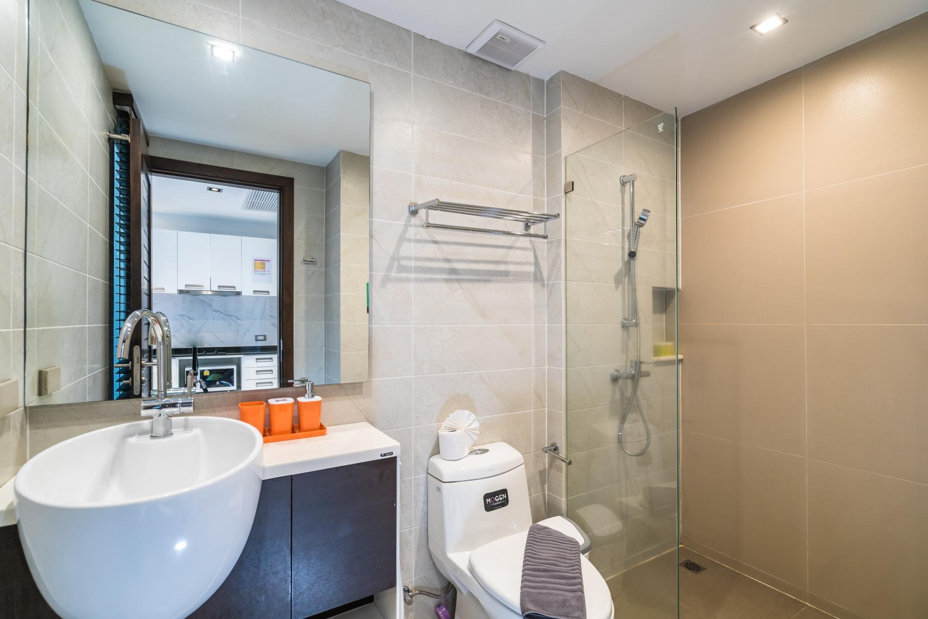 Apartment ET414 - Charming pool view studio  pool and gym in Patong photo 18543909