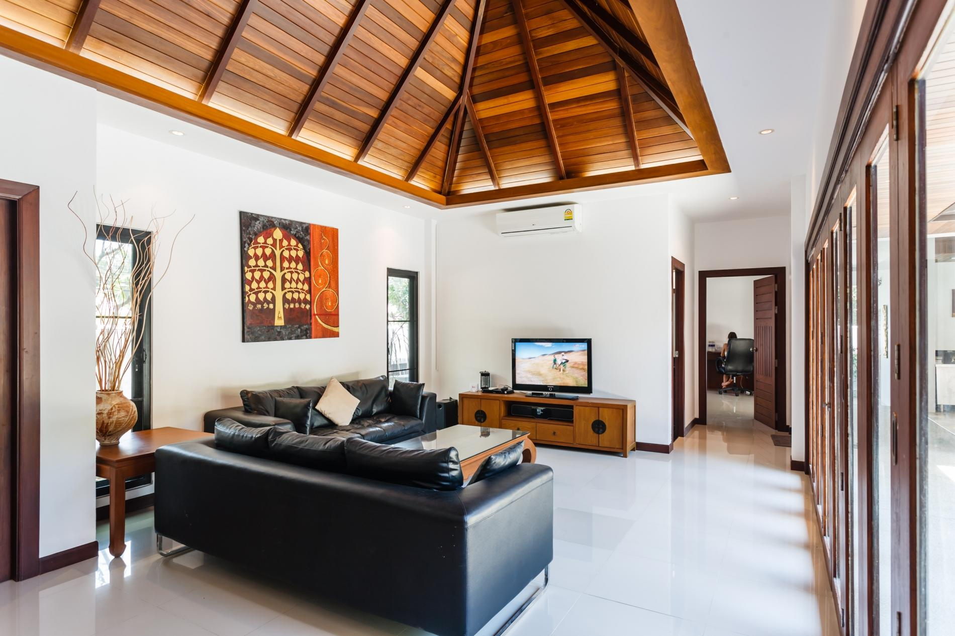 Apartment Frangipani Villa in Nai Harn - 5 bedroom private pool with garden and pizza oven photo 20320348