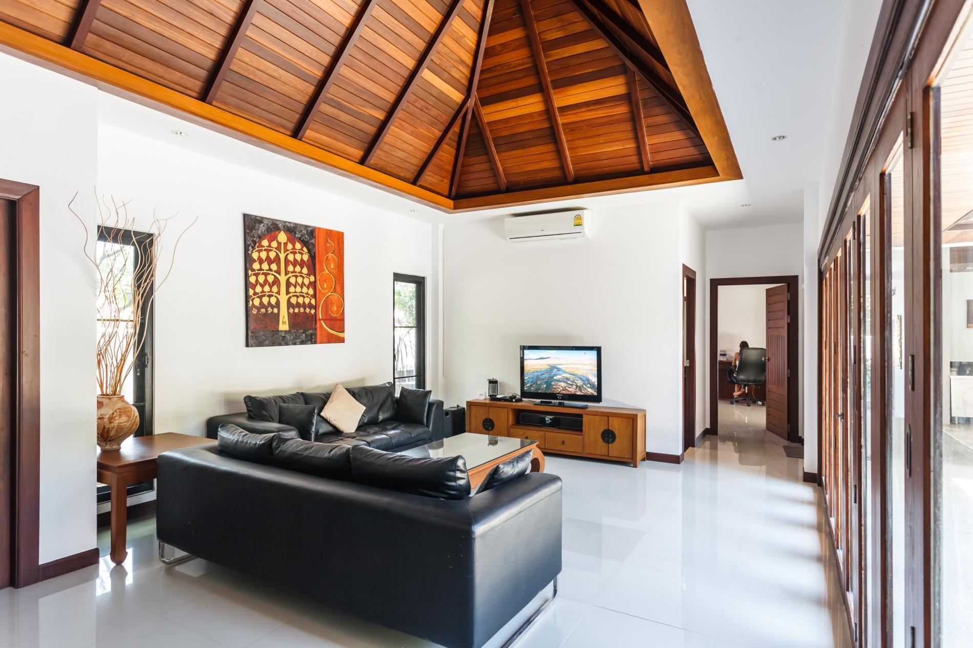 Frangipani Villa in Nai Harn - 5 bedroom private pool with garden and pizza oven photo 20389701