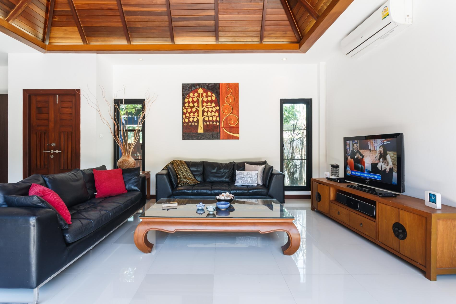 Frangipani Villa in Nai Harn - 5 bedroom private pool with garden and pizza oven photo 20389705