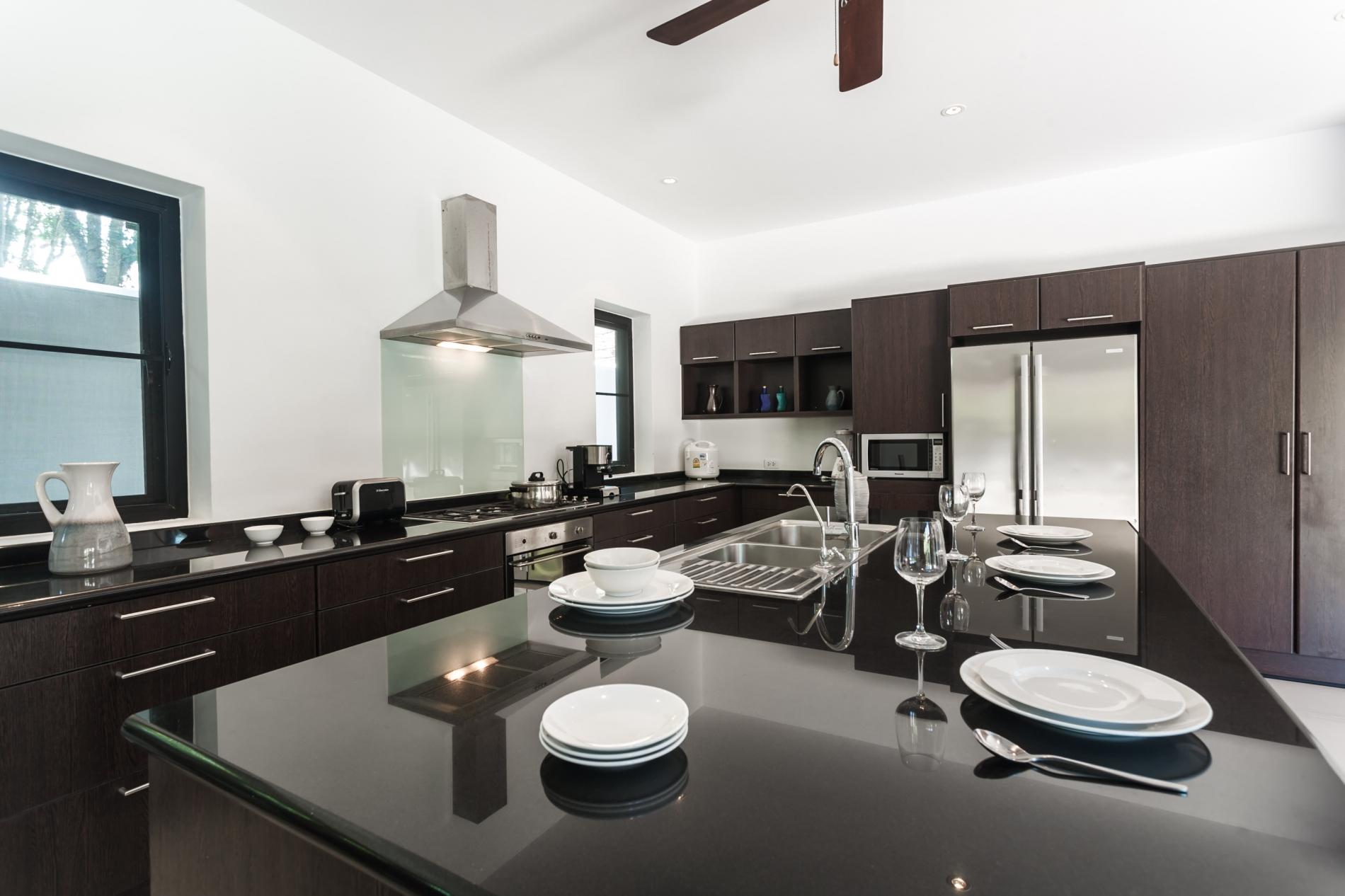Apartment Frangipani Villa in Nai Harn - 5 bedroom private pool with garden and pizza oven photo 20389737