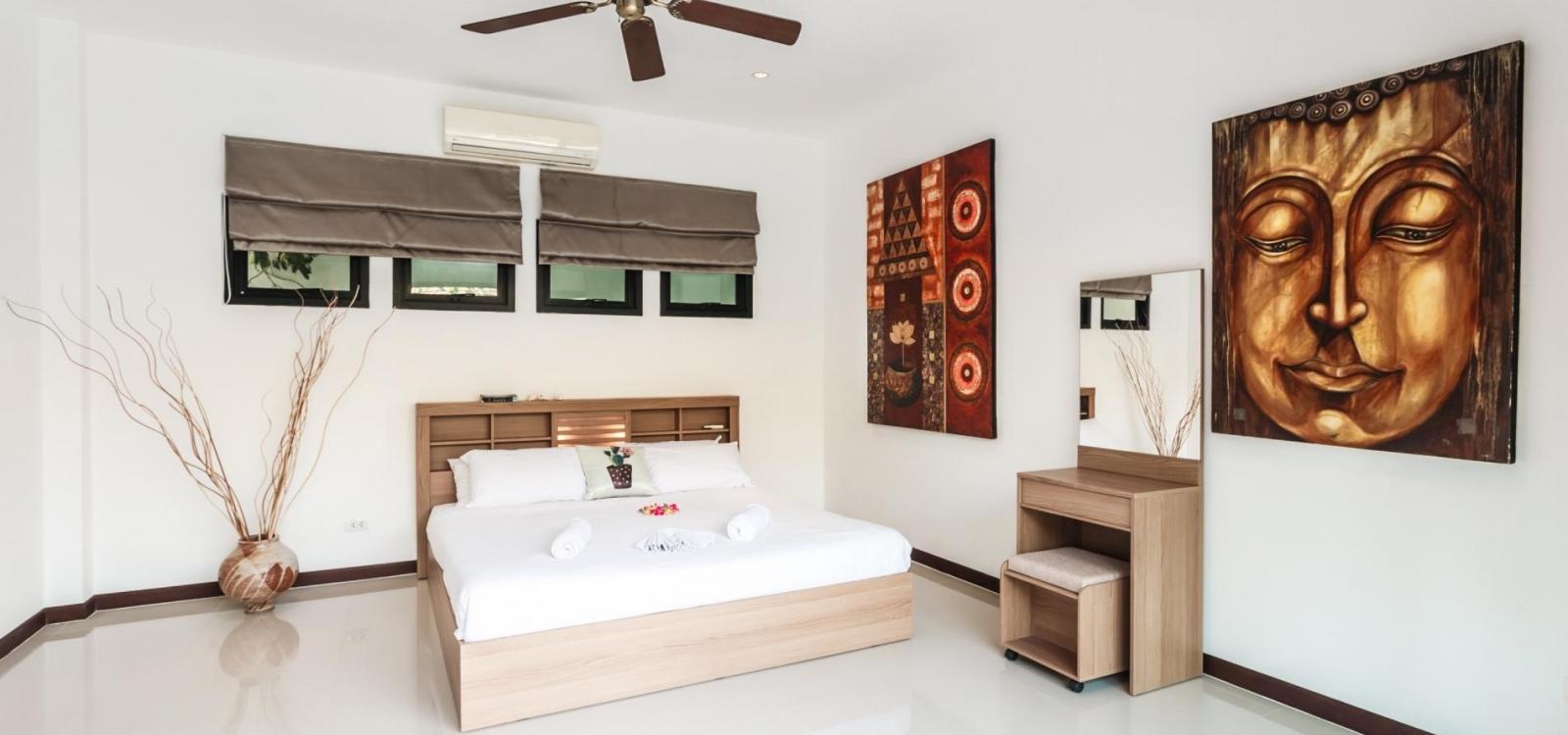 Frangipani Villa in Nai Harn - 5 bedroom private pool with garden and pizza oven