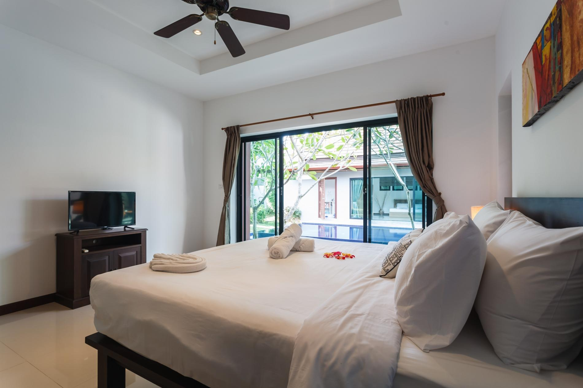 Apartment Frangipani Villa in Nai Harn - 5 bedroom private pool with garden and pizza oven photo 19840335