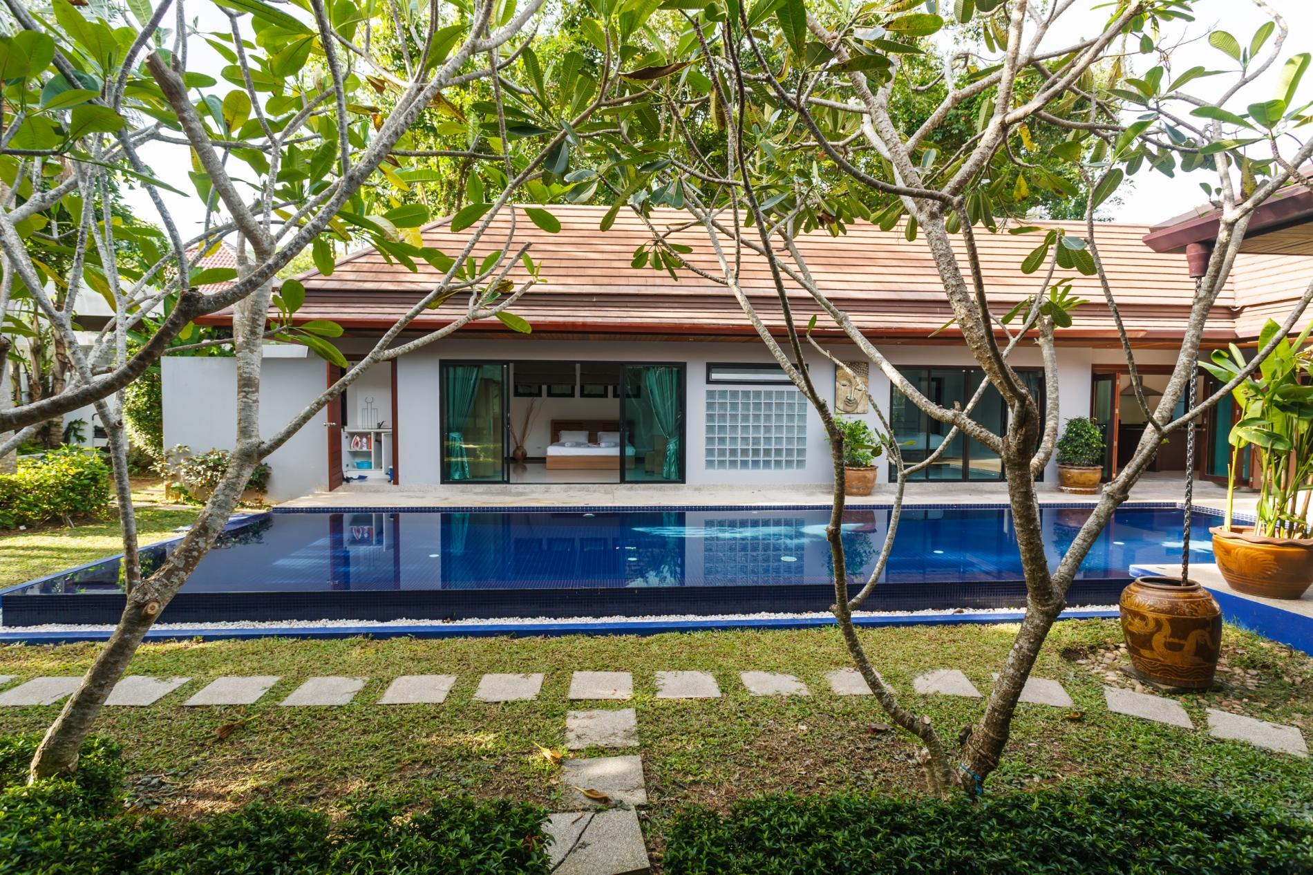Apartment Frangipani Villa in Nai Harn - 5 bedroom private pool with garden and pizza oven photo 20389725