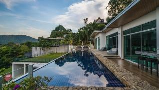Parinda  - seaview private pool villa and cinema. Basketball, foosball, ping pong, gym!