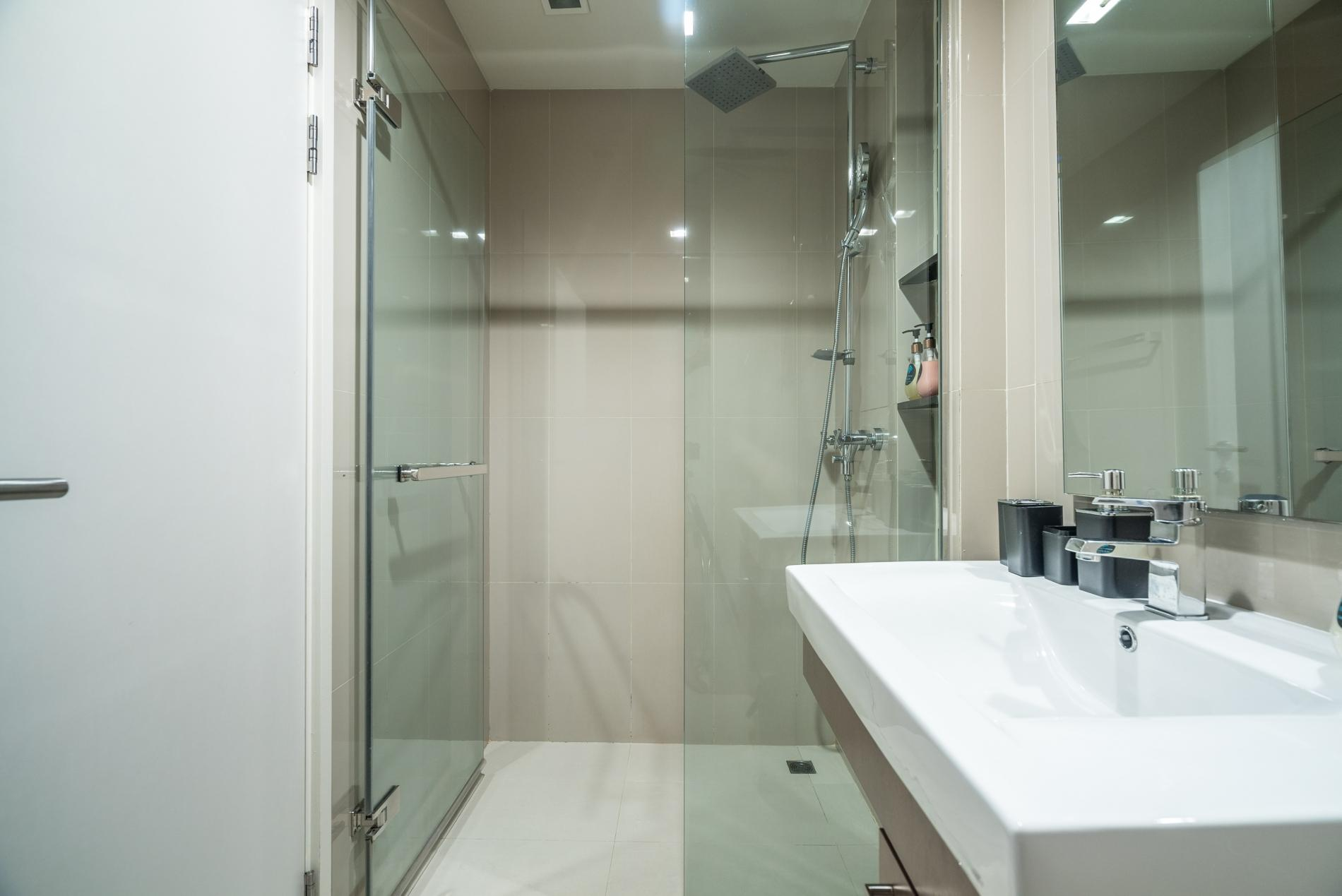 Apartment D48 - Luxury Patong Beach Studio for 2 with Pool   Gym photo 18564184