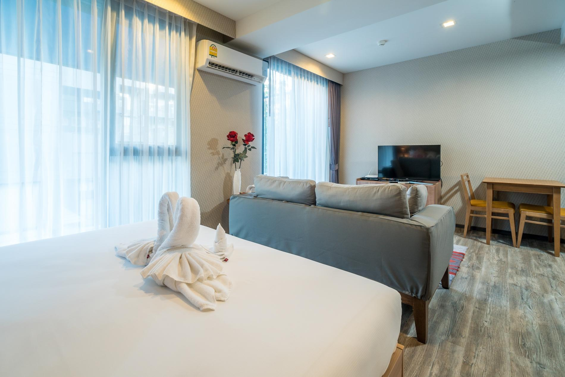Apartment D48 - Luxury Patong Beach Studio for 2 with Pool   Gym photo 19008160