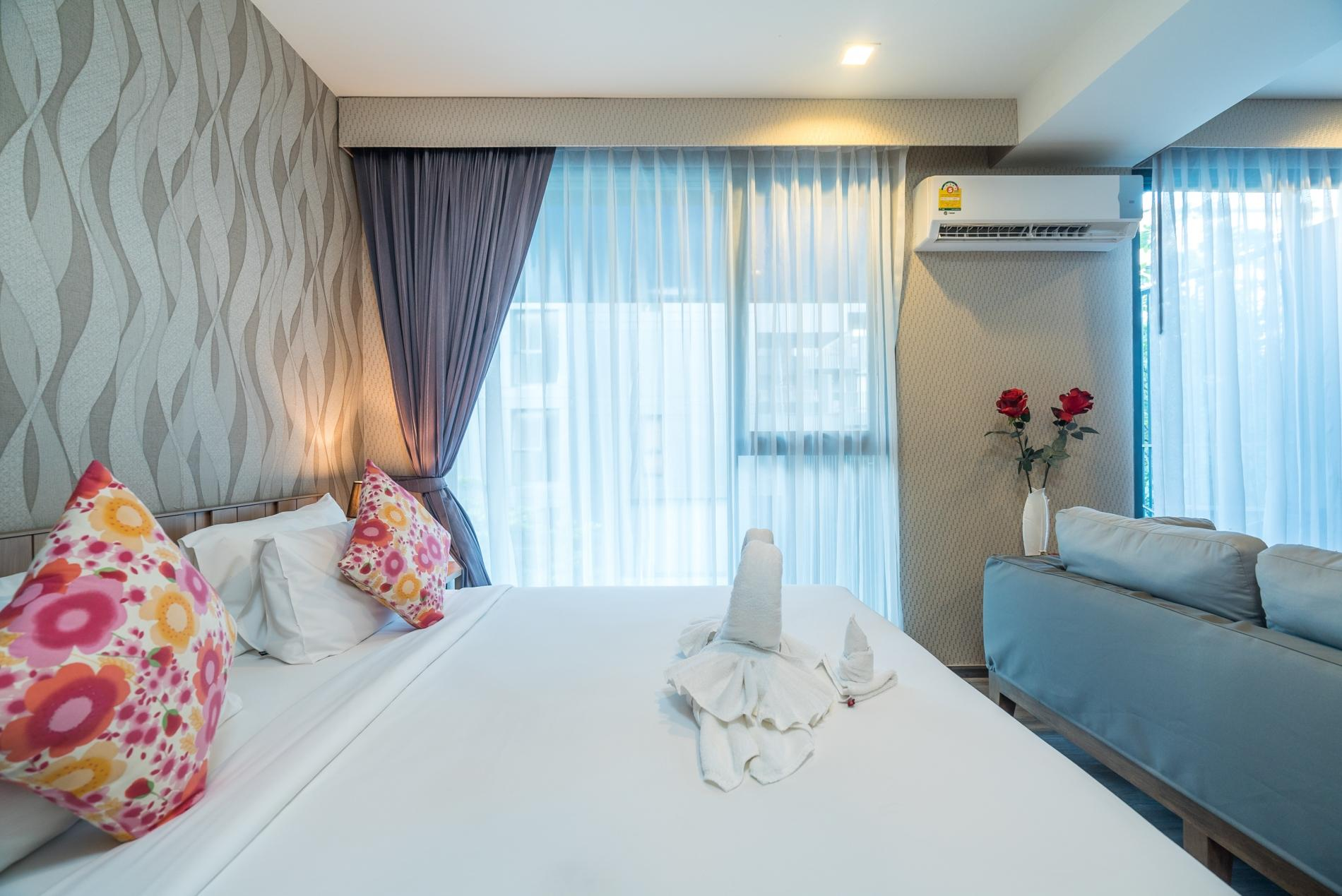 D48 - Luxury Patong Beach Studio for 2 with Pool & Gym photo 19107892