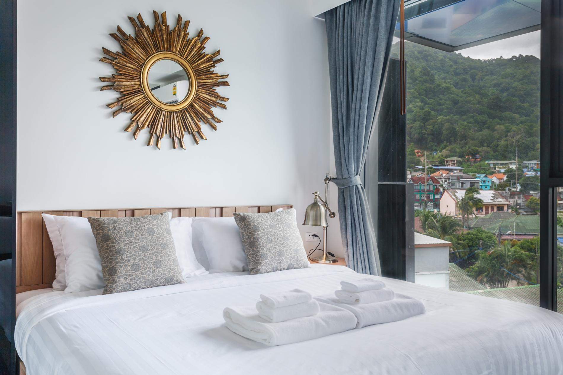 D218 - Luxury Studio for 2 in Patong beach with Pool & Gym! photo 18343593