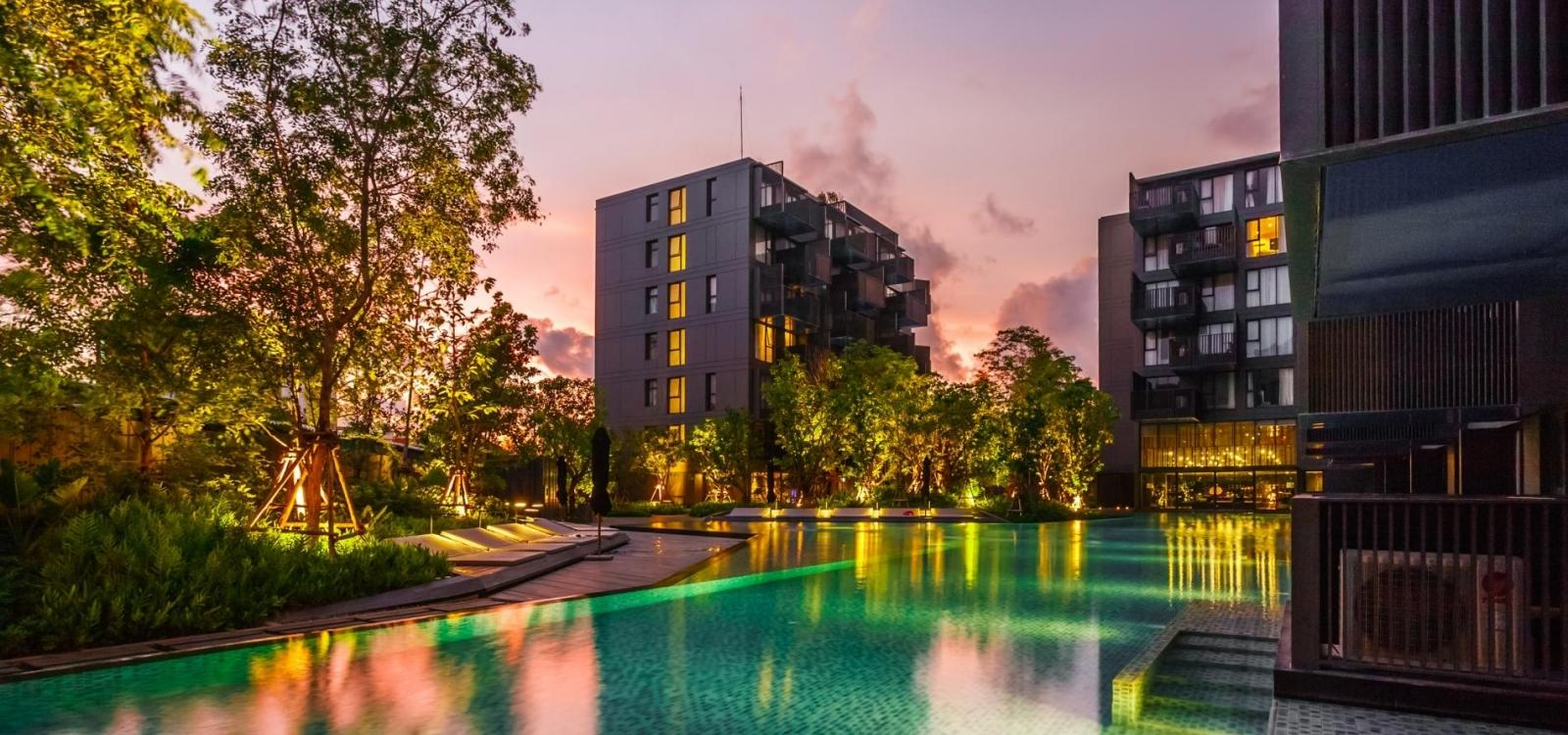 D124 - The Deck apartment, 2 pools, gym, walk to Patong beach