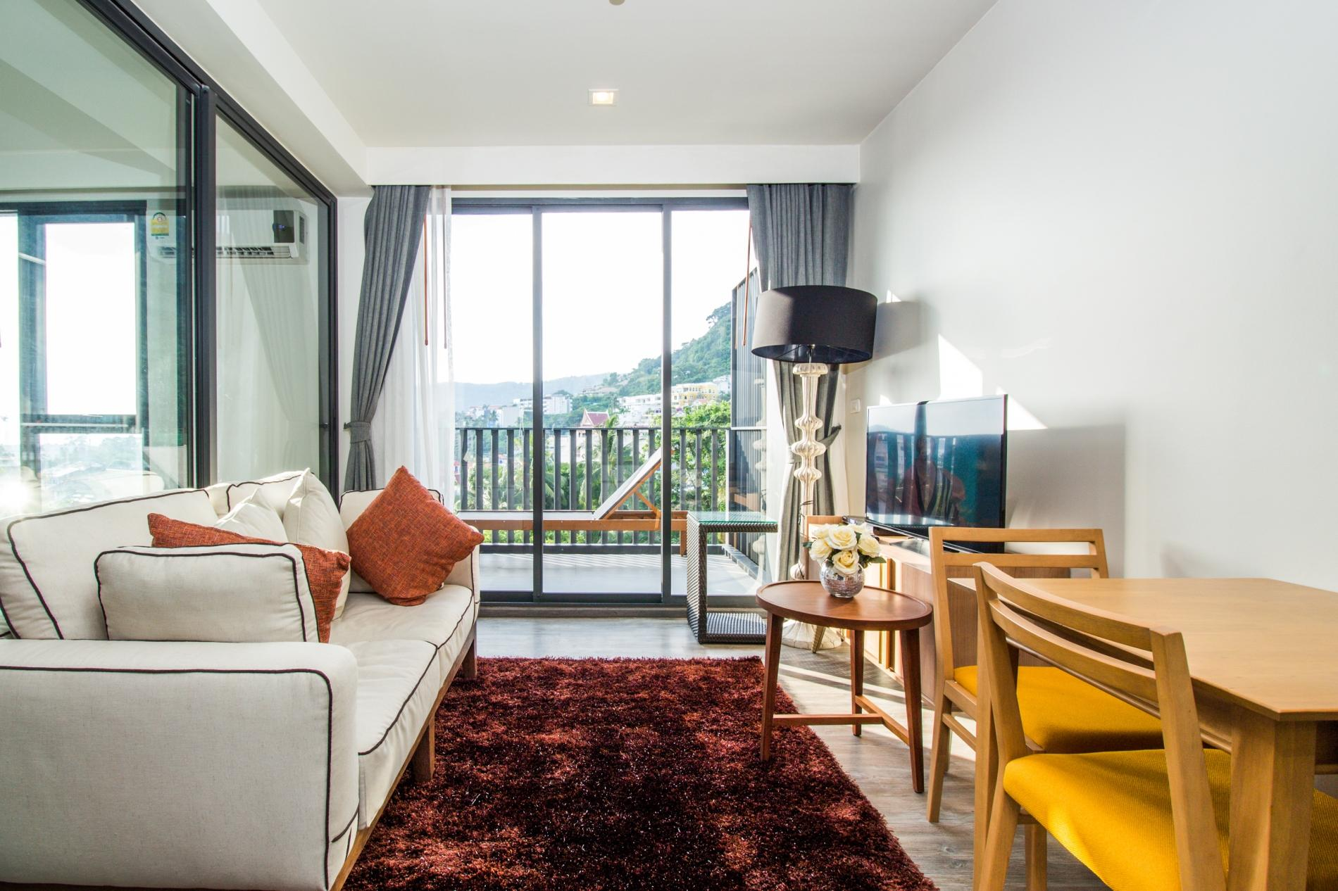 D252 - Patong sea-view apartment with 2 pools, near beach and nightlife! photo 13879315