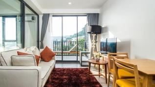 D252 - Patong sea-view apartment with 2 pools, near beach and nightlife!