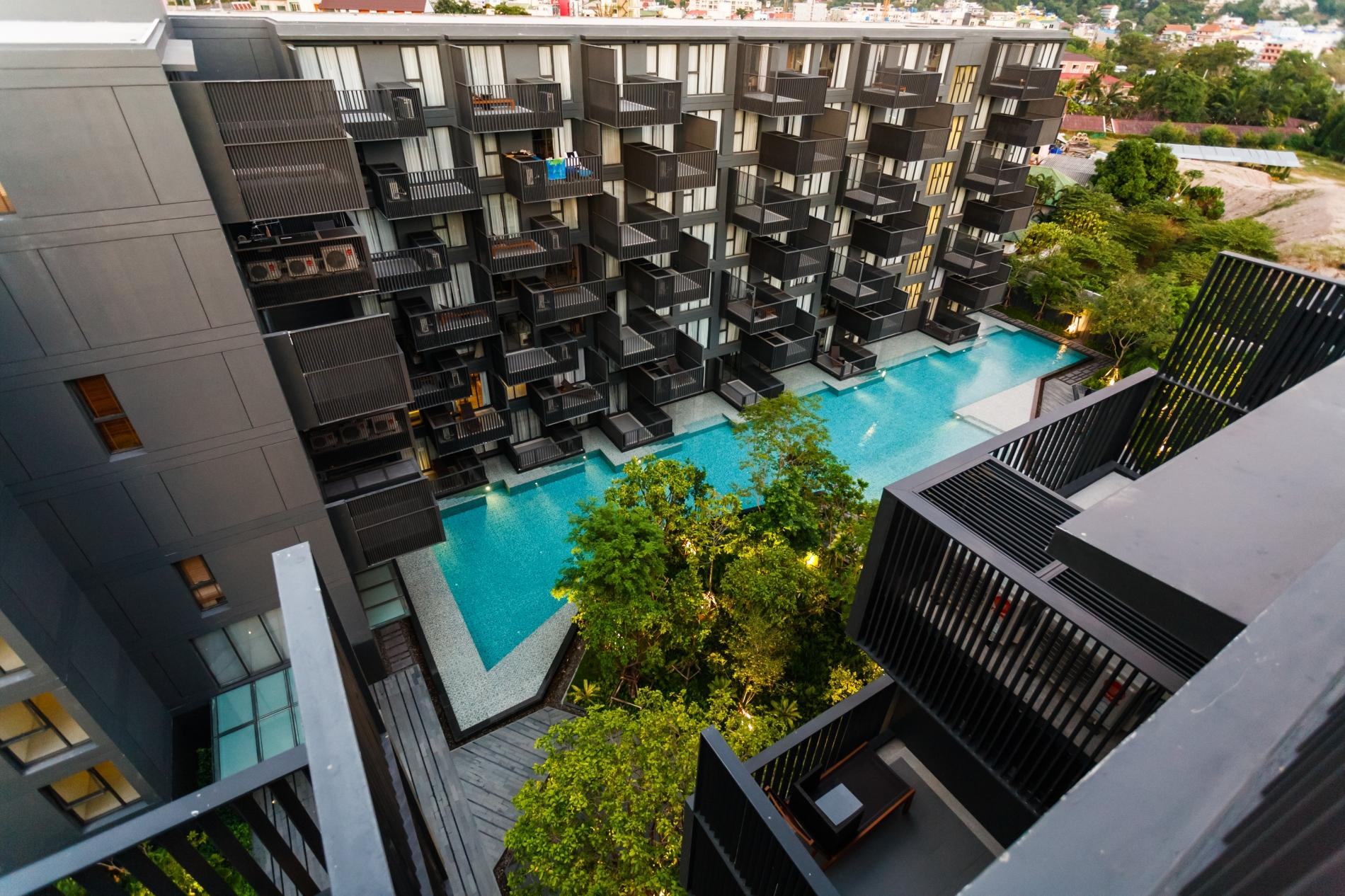 Apartment D263 - Mountain view 7th floor studio with pool   gym  central Patong photo 19256556