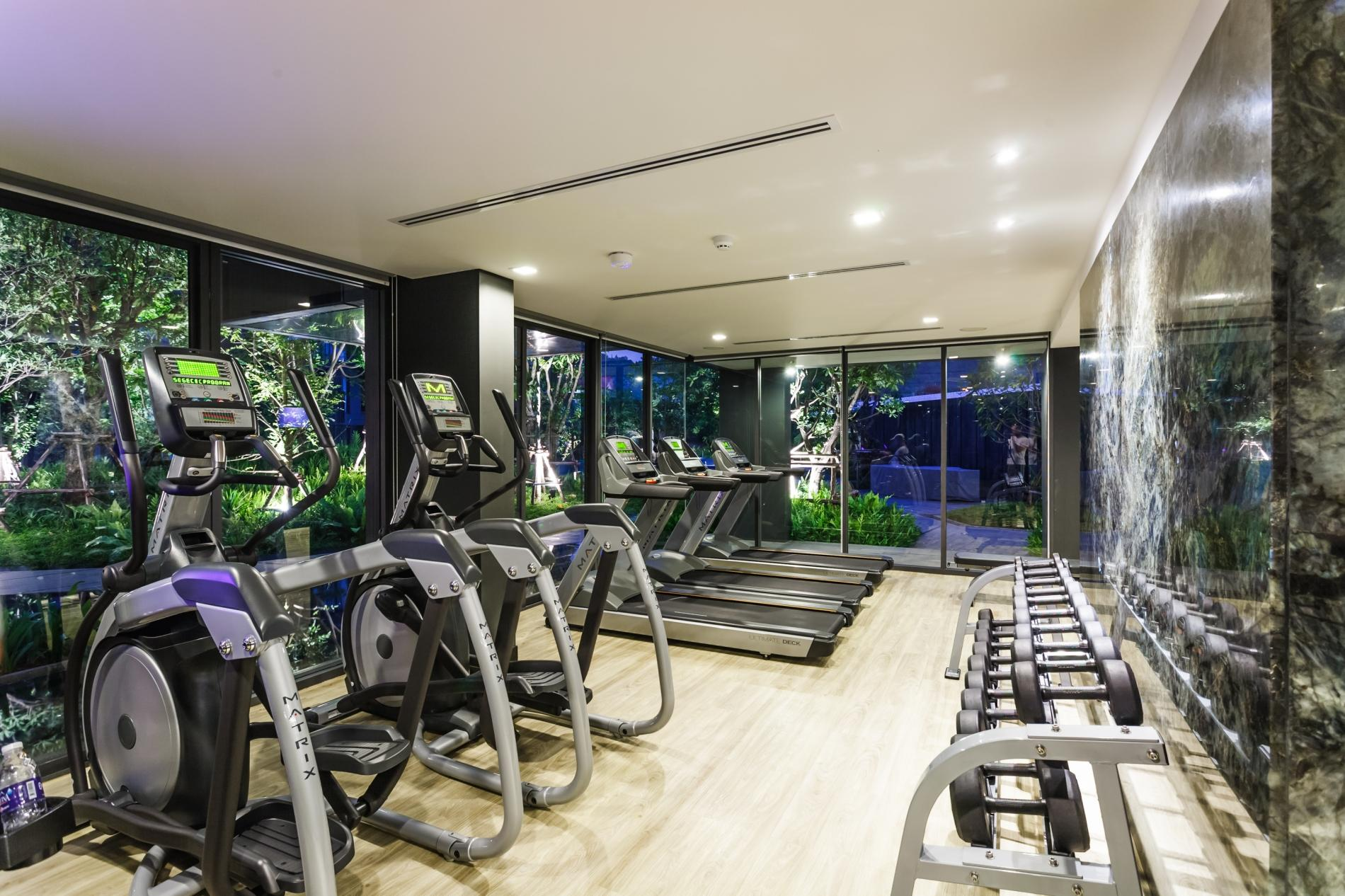 Apartment D263 - Mountain view 7th floor studio with pool   gym  central Patong photo 19398140