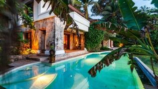Cape Kata - Oceanfront private pool villa with chef