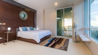 KH2605 - Sea-view Penthouse in Karon, walk to beach, restaurants, bars, shops