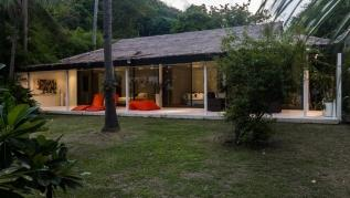 Beachfront villa, perfect family holidays on Ao Yon beach