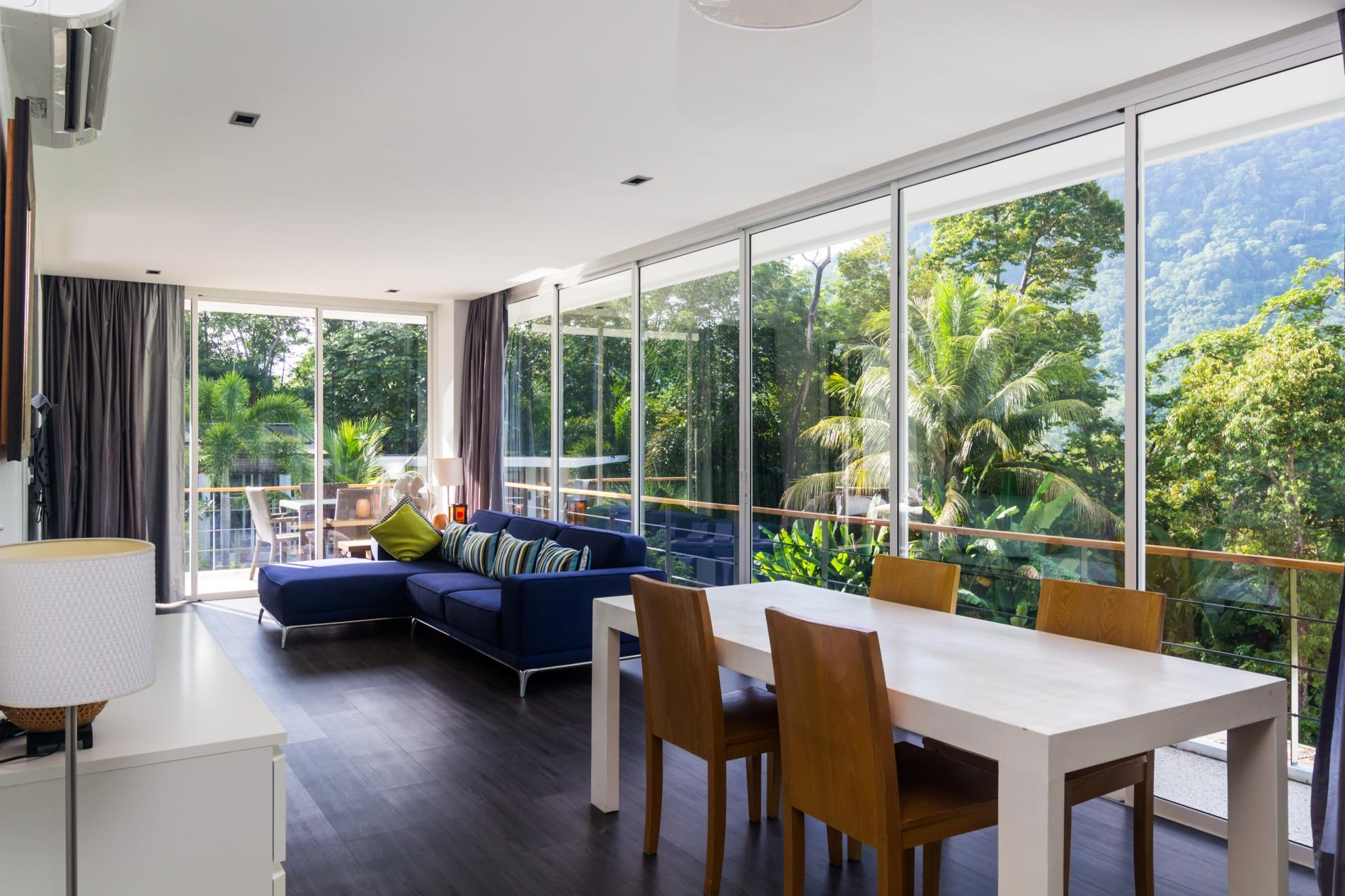 Zen Space 524 - Mountain view apartment for 4 with pool, children...