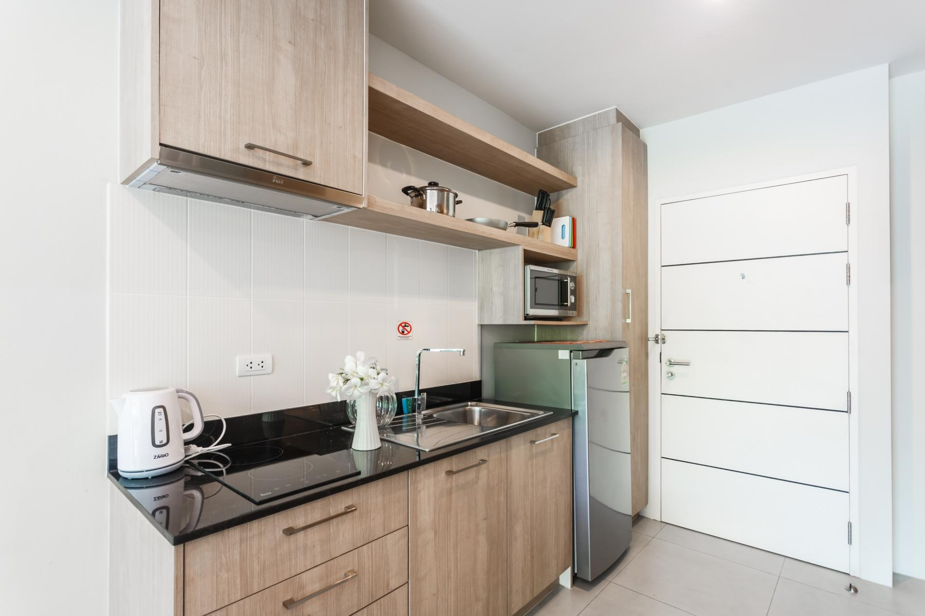 U208 - Patong Studio with kitchen, pool and private patio. photo 13758077
