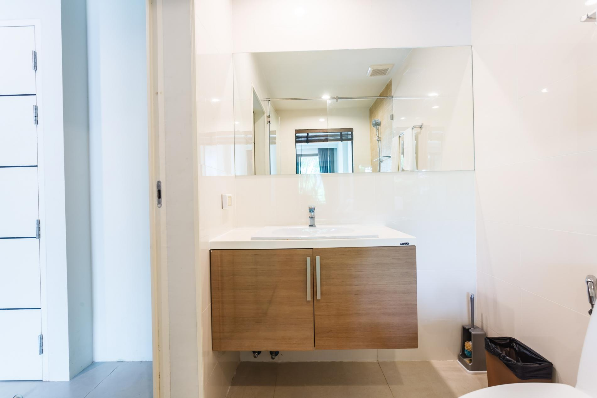 U208 - Patong Studio with kitchen, pool and private patio. photo 13758081
