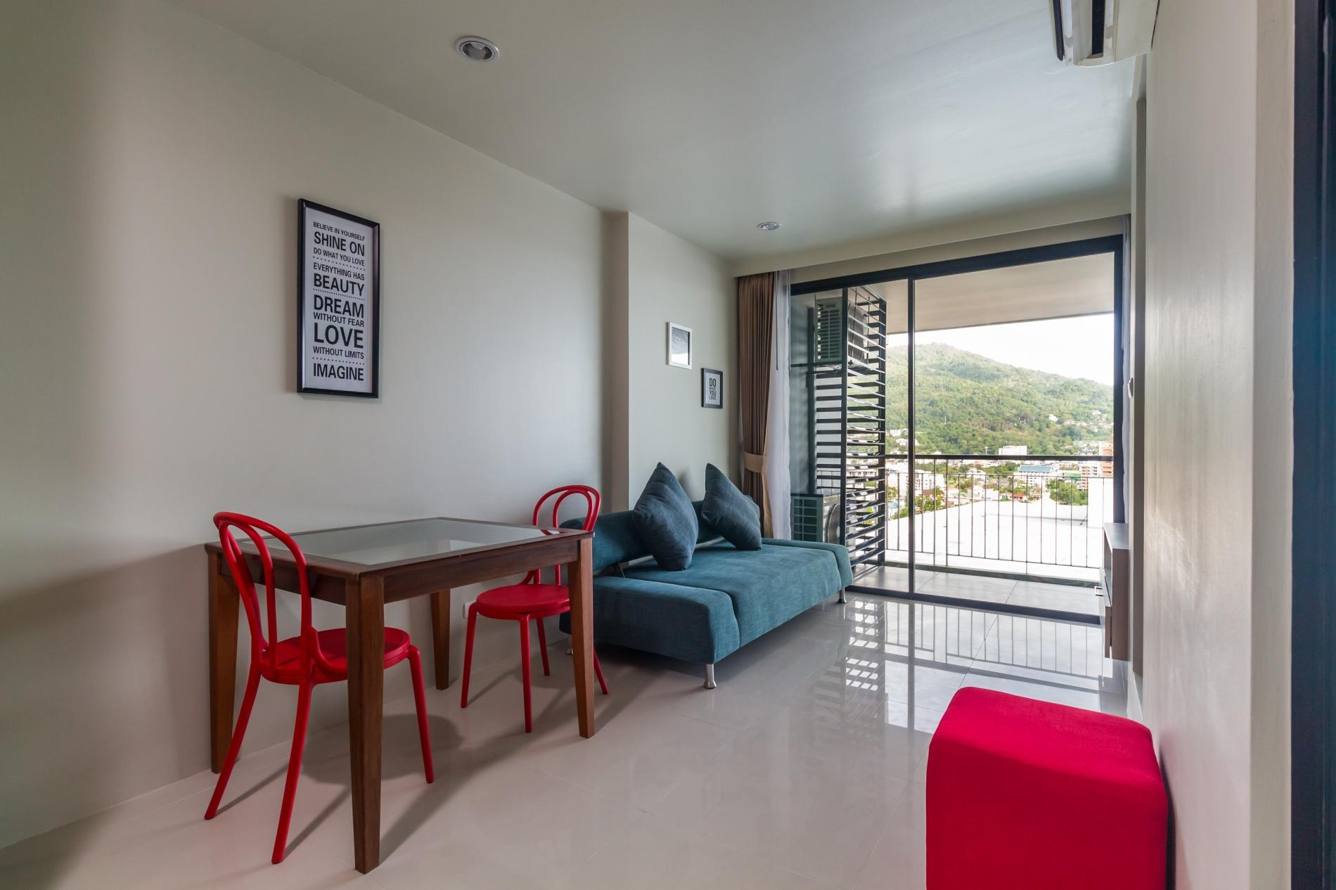 U606 - Convenient Patong apartment for 3 people with pool and gym. photo 19373963