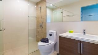 U606 - Convenient Patong apartment for 3 people with pool and gym.