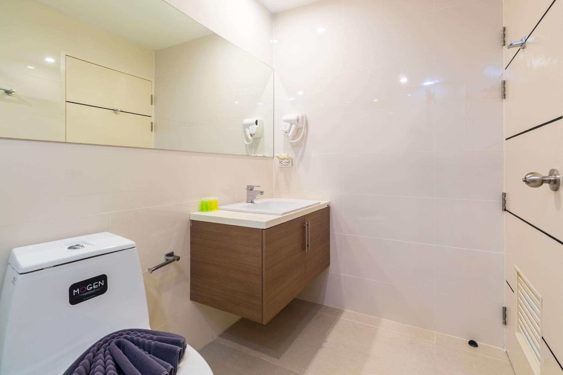 Apartment U606 - Convenient Patong apartment for 3 people with pool and gym  photo 19427943