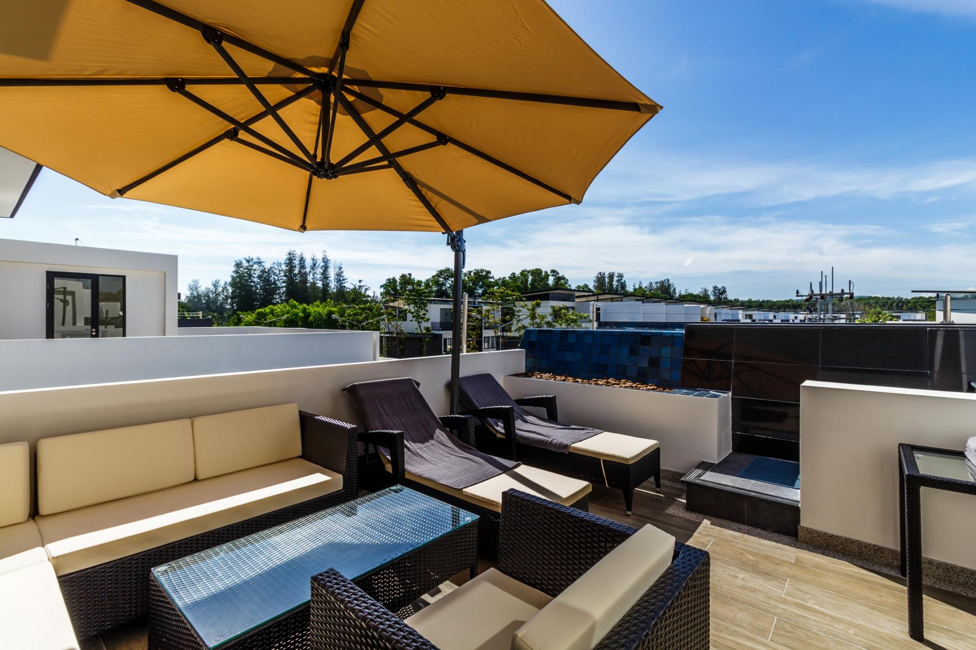 Apartment LP101 - Private rooftop pool villa in Laguna for 9 people  near restaurants and shops photo 20176188