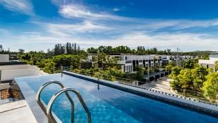 LP101 - Private rooftop pool villa in Laguna for 9 people, near restaurants and shops