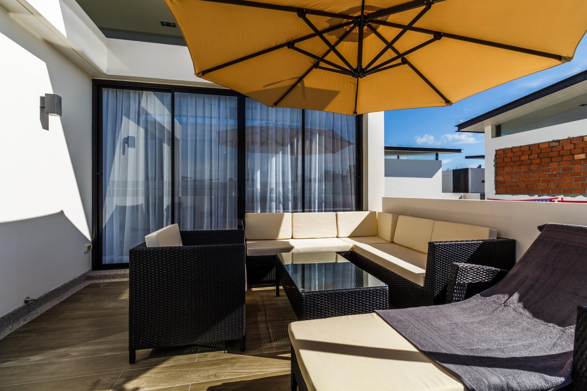Apartment LP101 - Private rooftop pool villa in Laguna for 9 people  near restaurants and shops photo 16813060