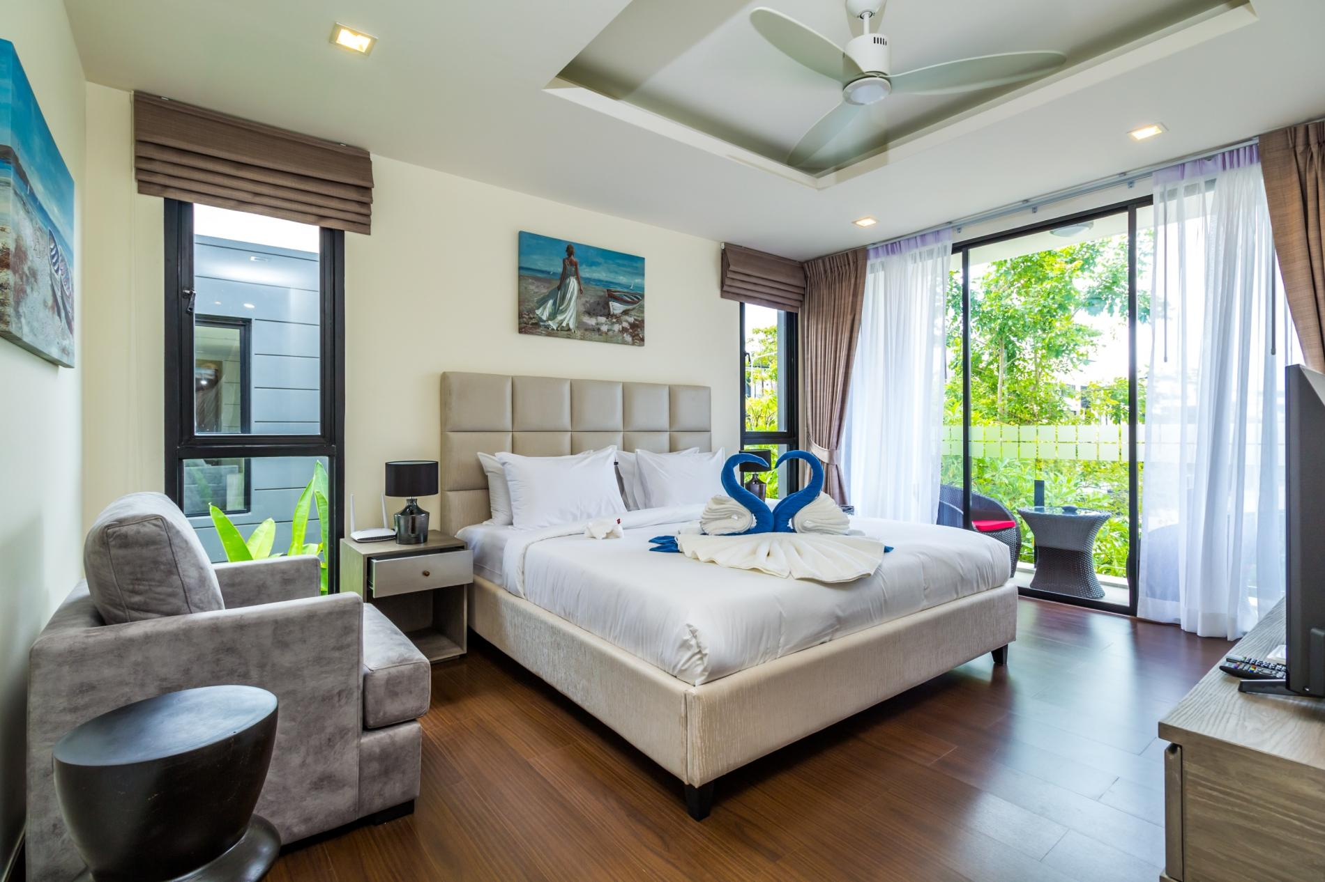 LP101 - Private rooftop pool villa in Laguna for 9 people, near restaurants and shops photo 5776960