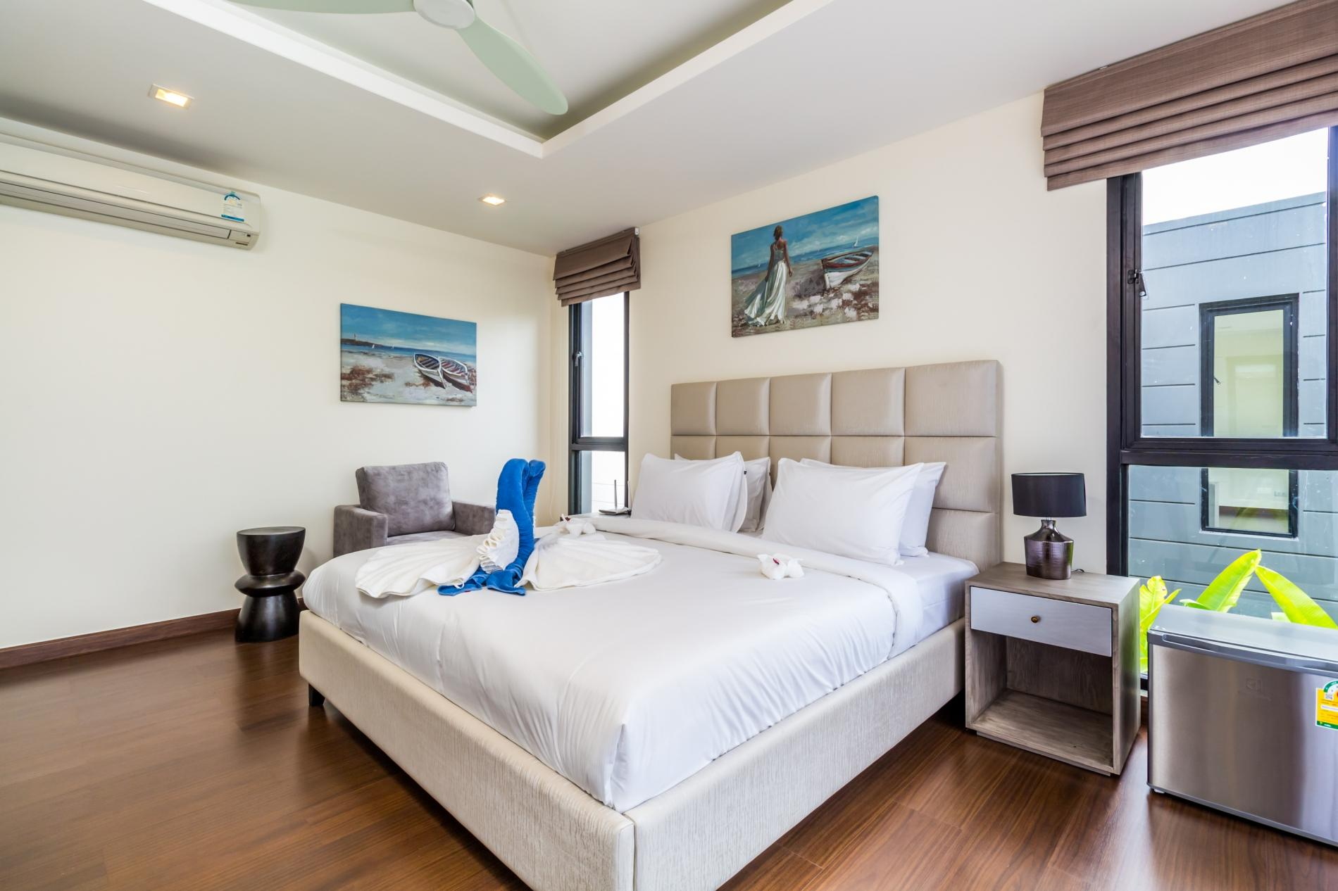 Apartment LP101 - Private rooftop pool villa in Laguna for 9 people  near restaurants and shops photo 16813070