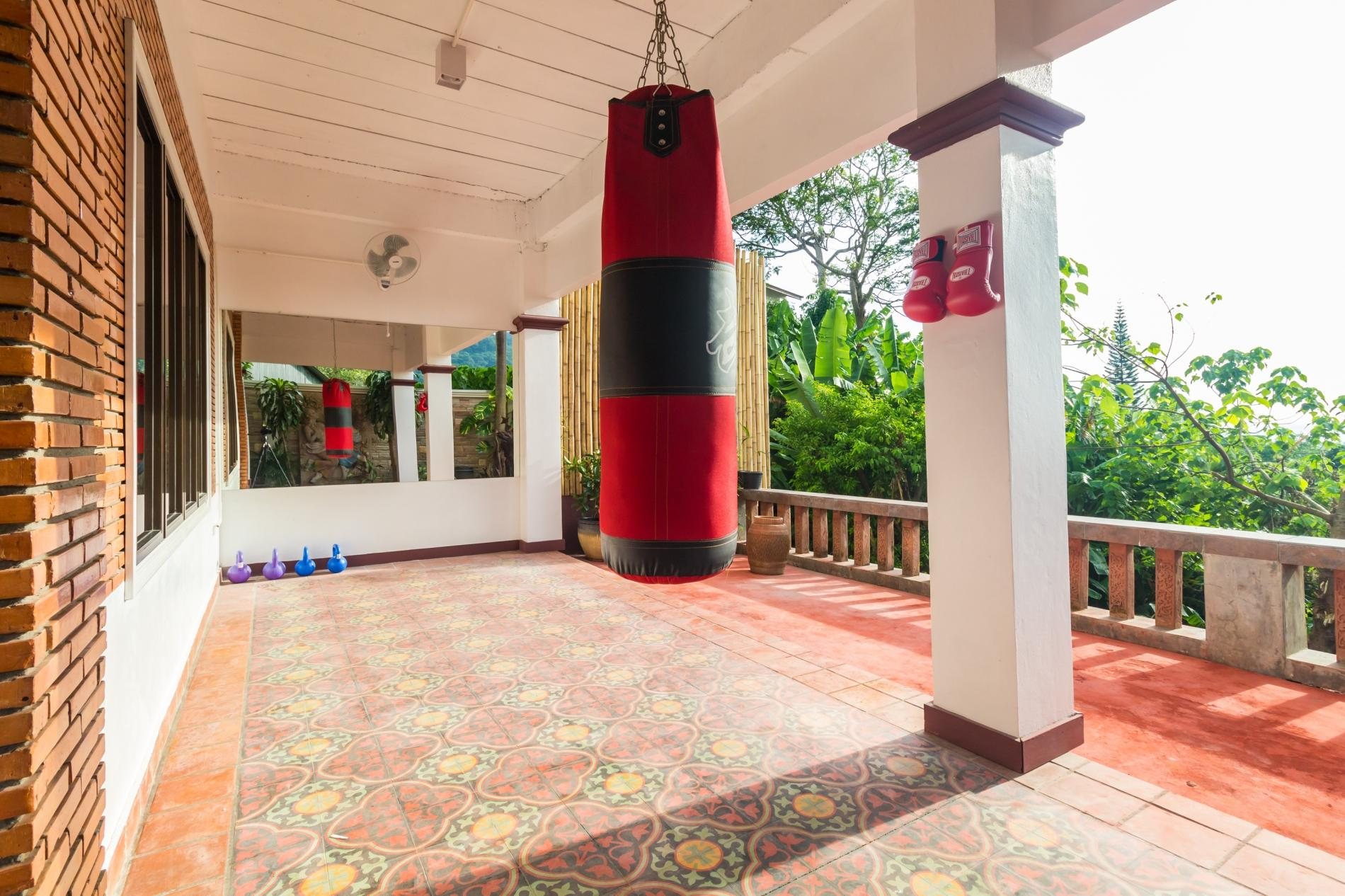 50pee - Seaview pool villa in Patong, boxing bag, foosball table, darts and fun! photo 20394417